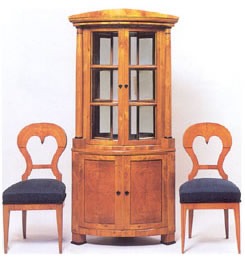 WHAT TO LOOK FOR WHEN BUYING BIEDERMEIER FURNITURE